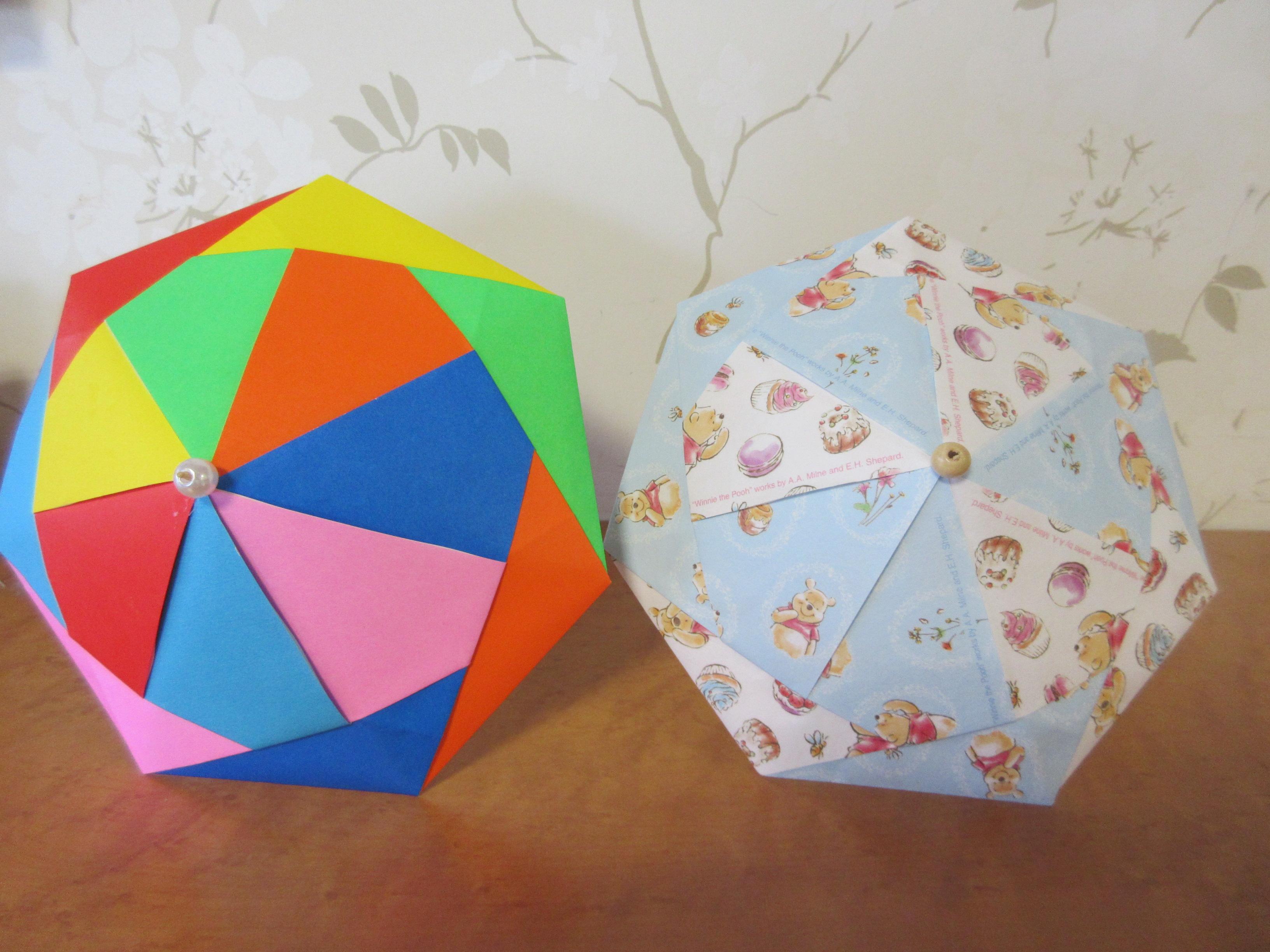デイサービス 『折り紙で傘づくり』