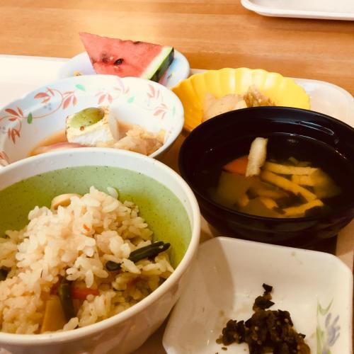 【8月】美味しい食事で温泉旅行 ♪